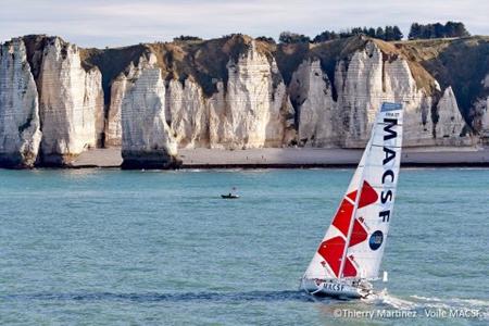 Un départ mitigé pour l'IMOCA MACSF sur la Transat Jacques Vabre